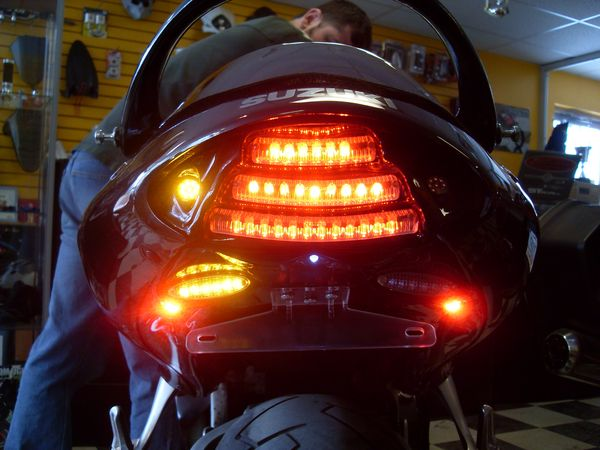 New F.I.M. Design Hayabusa Undertail ( break light on / left flash on)
